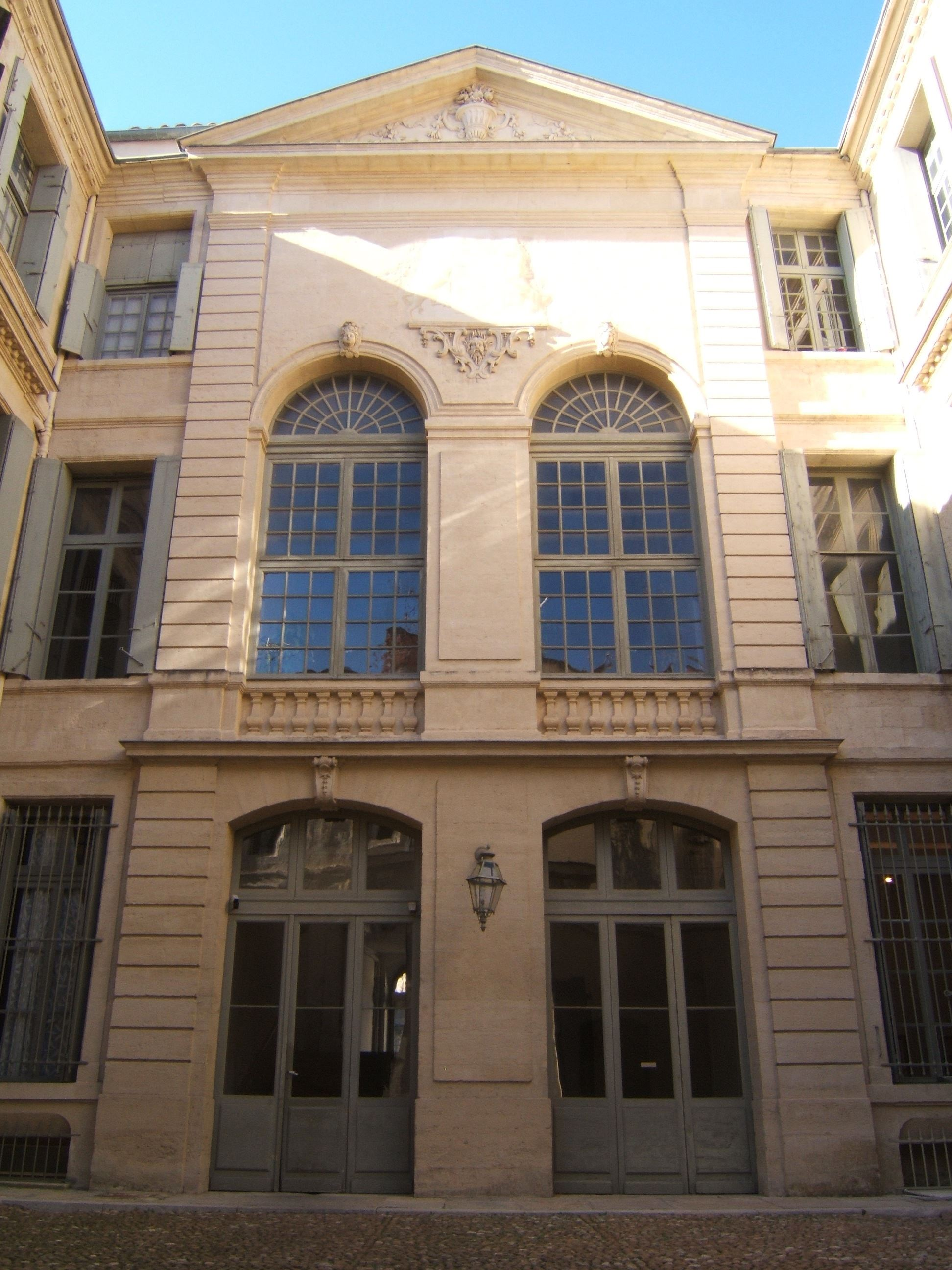 "French guided tour ""Montpellier living in the heyday - Hotel de Lunas"""