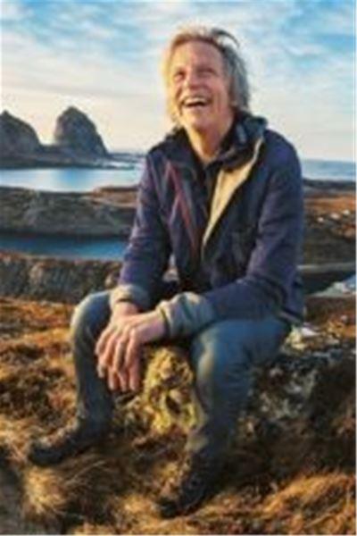 Månadens författare-Stefan Sundström