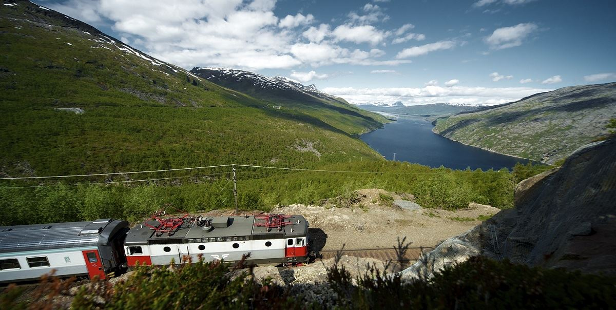 Experience the Ofotbanen Railway and the Navvy Road