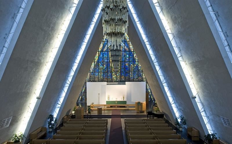 © Ishavskatedralen, The Arctic Cathedral's glass painting  by the artist Victor Sparre is rich in symbols and attract great attention of visitors.
