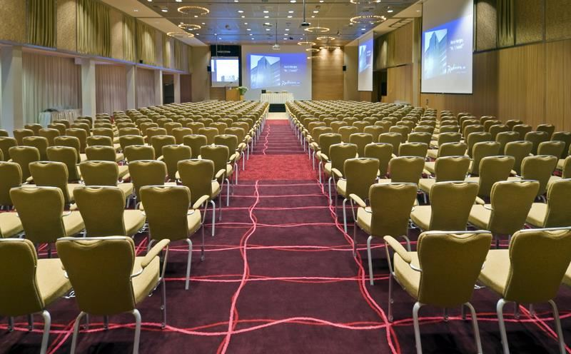 © Radisson Hotel Blu, Radisson SAS Hotel Tromsø, the largest meeting, convention and banquet facilities in northern Norway.