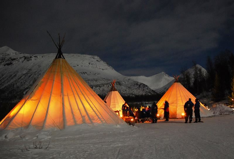 © Lyngsfjord Adventure, Northern Lights Snowmobile Safari Camp Tamok - Lyngsfjord Adventure