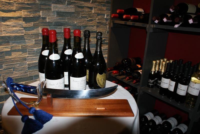 Wine Tasting - Welcome Inn Hotel Lyngskroa