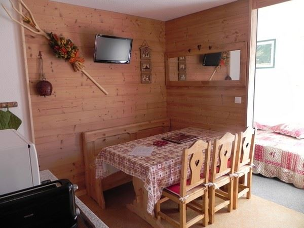 3 Rooms 6 Pers ski-in ski-out / SKI SOLEIL 1606