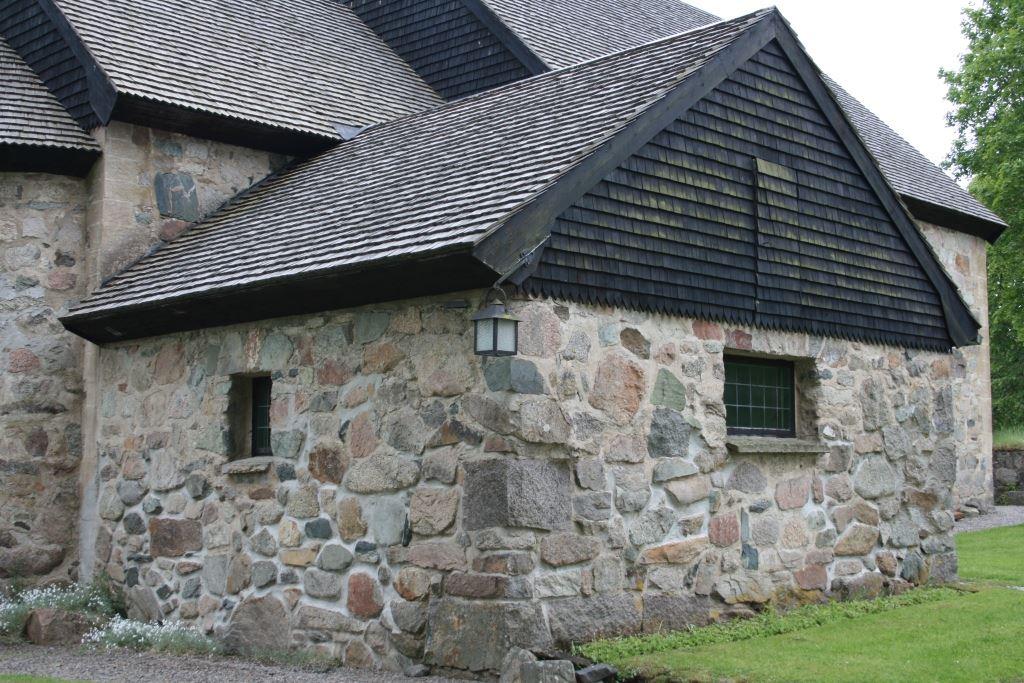Hjelmseryds kyrka