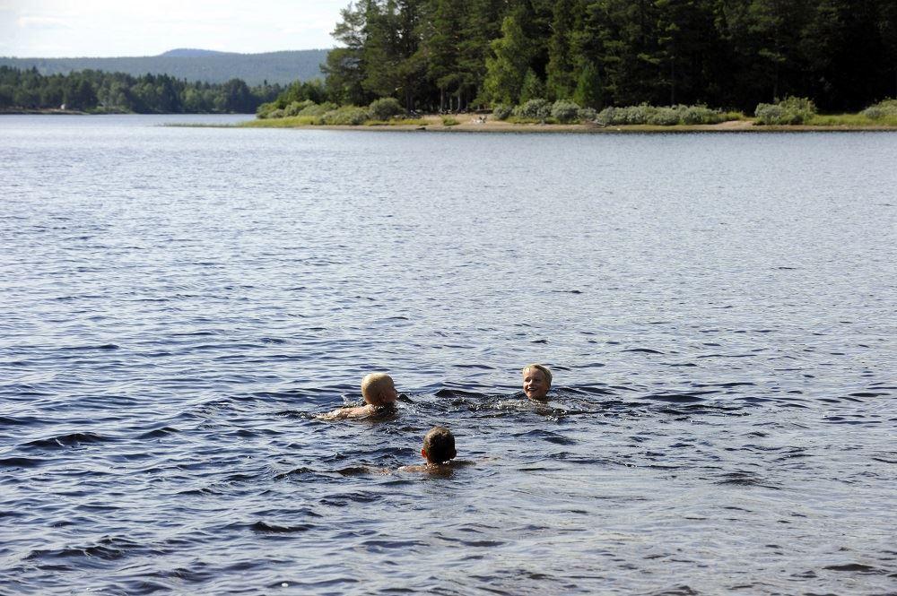 Nisse Schmidt, Västängs badplats