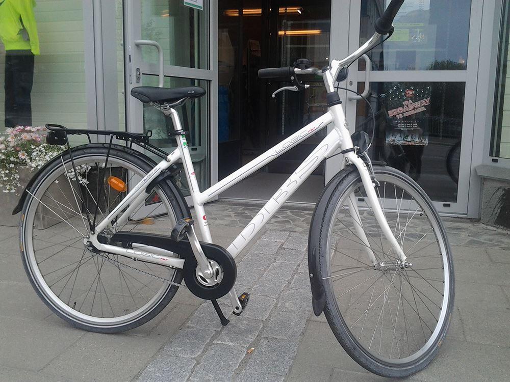Sykkelutleie fra Stokmarknes Lufthavn - damesykkel