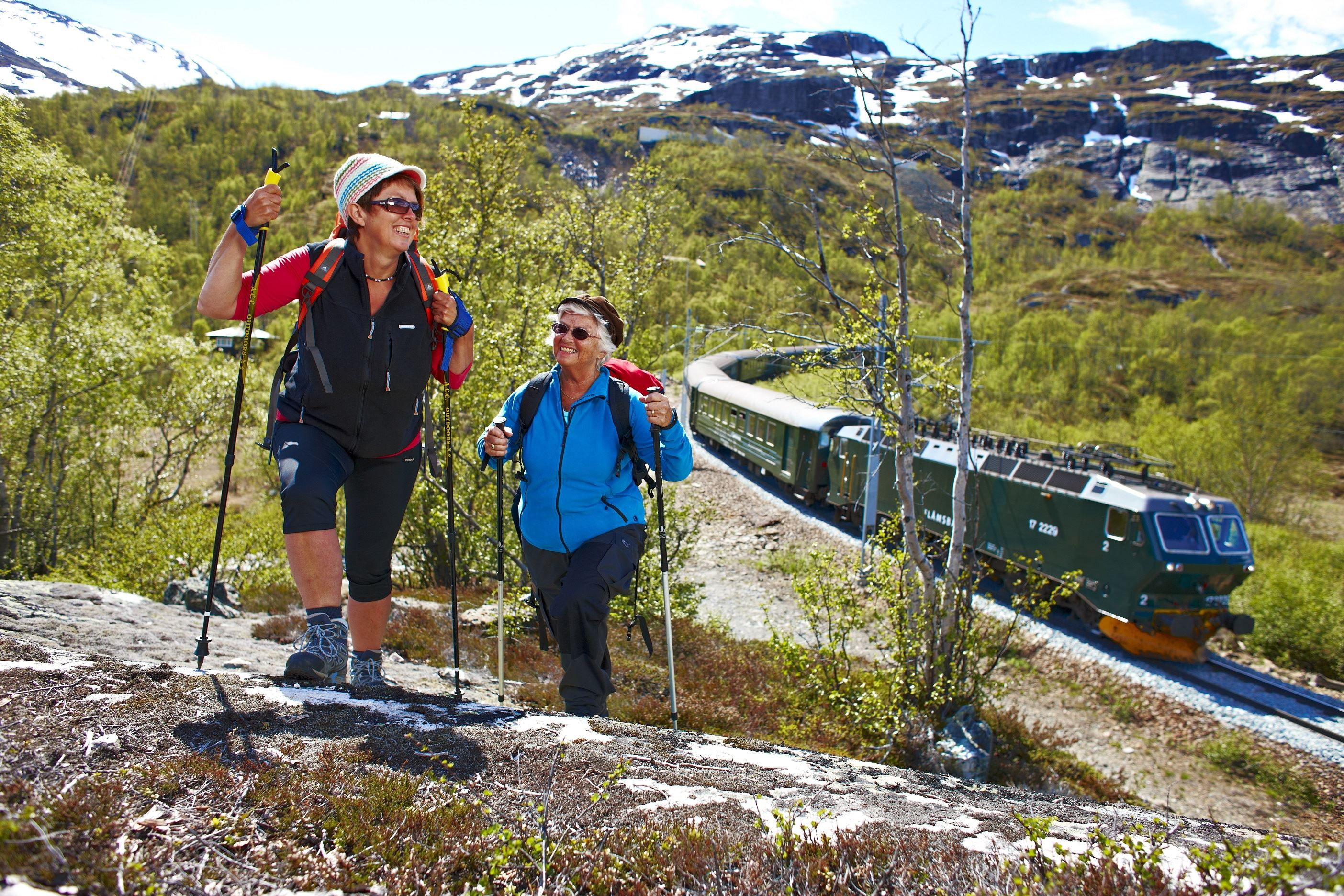 The Flåm Railway + hiking the Flåm valley