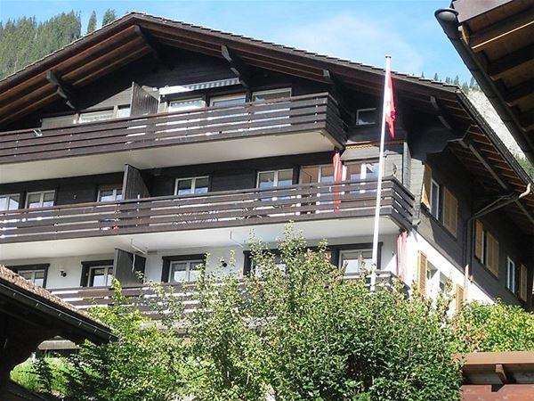 Lägenhet för upp till 6 personer med 4 rum på Blacky- Adelboden
