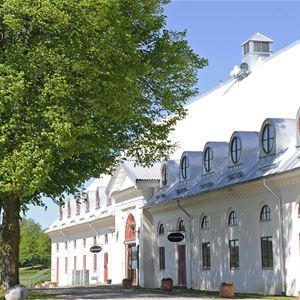 Öster Malma Slott: Hotell och SVIF vandrarhem, Nyköping