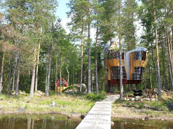 Islands Tree Houses