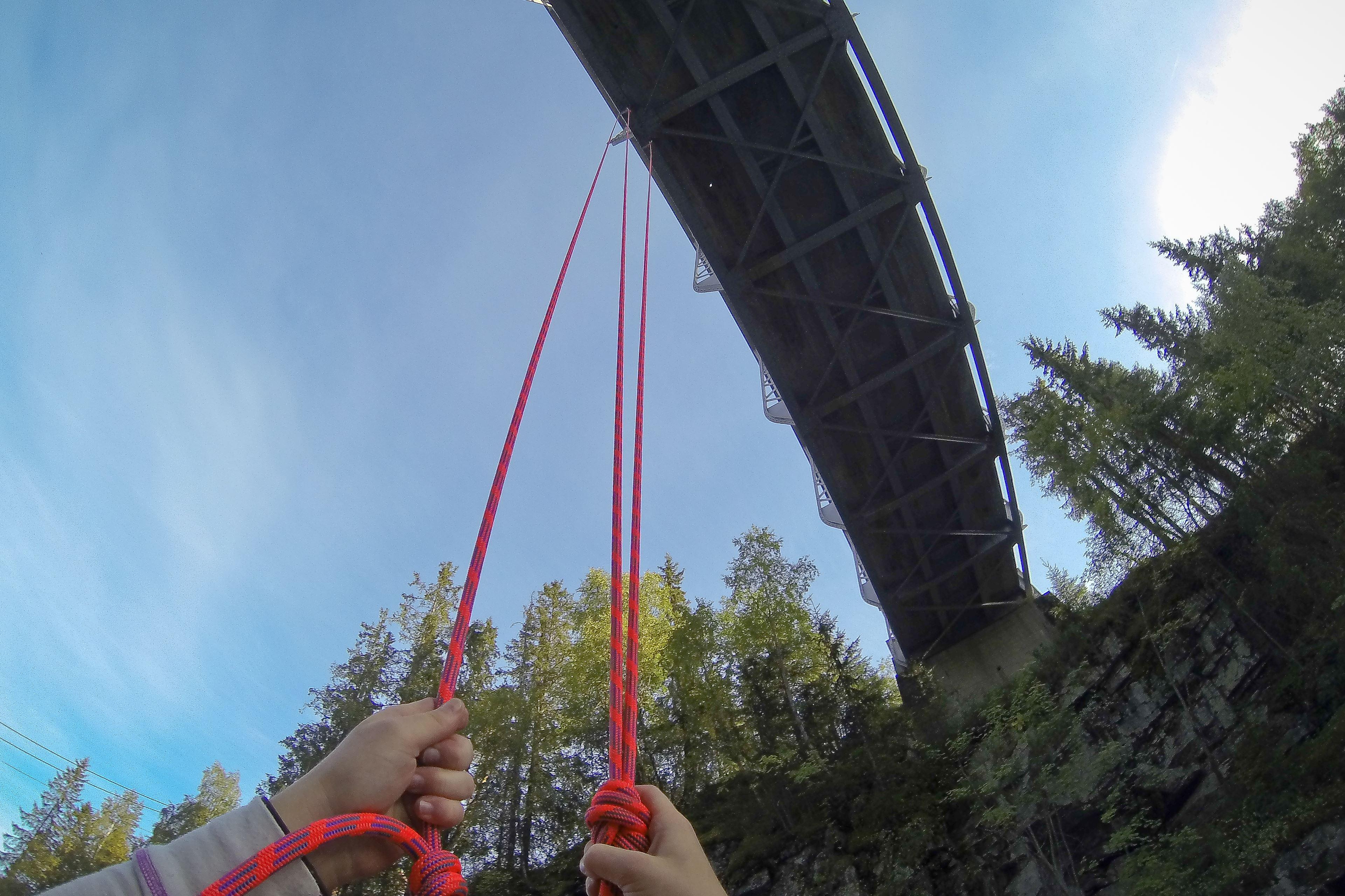 Bridge Pendulum Jump