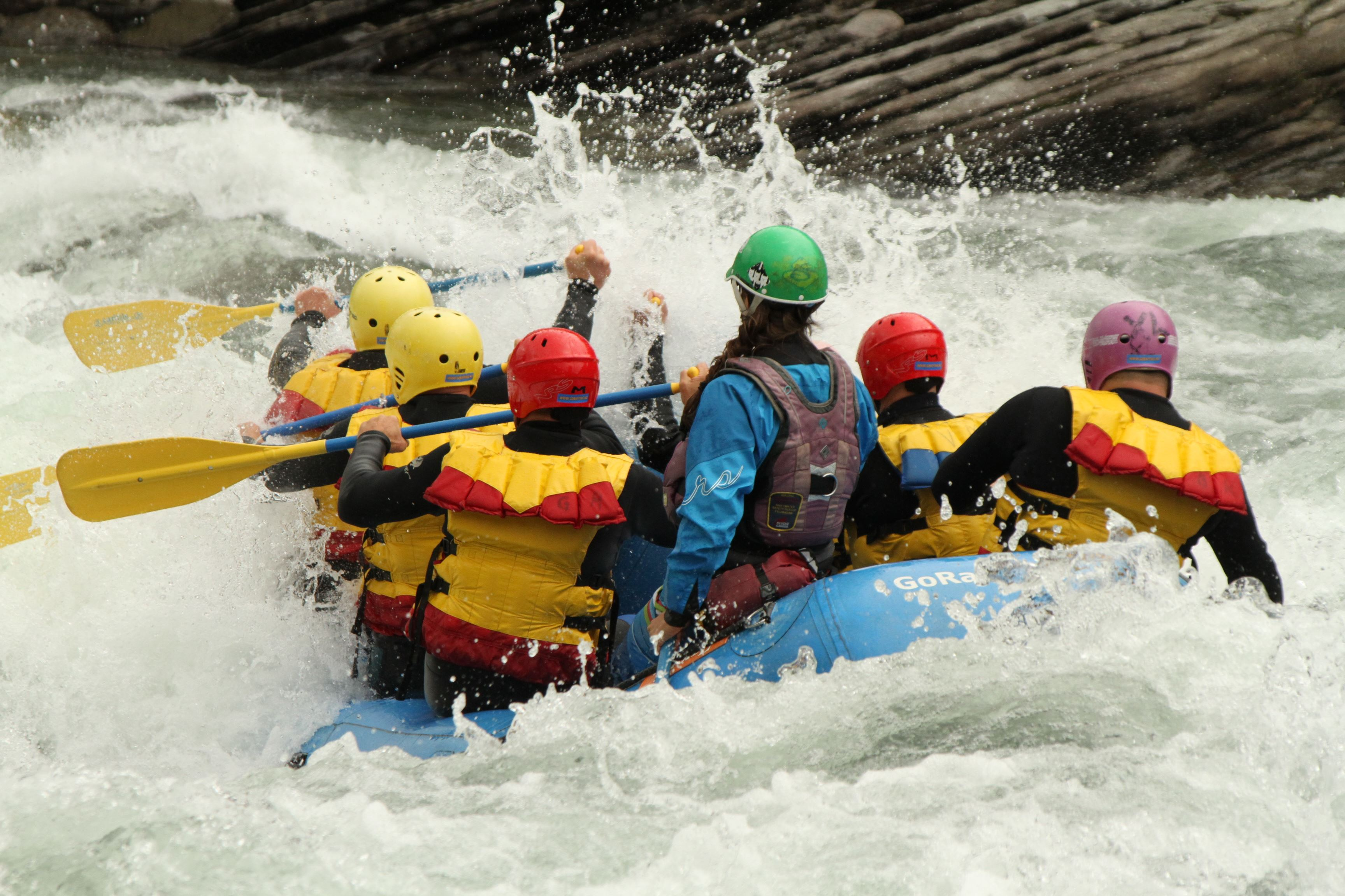 b. Rafting Shorttrip