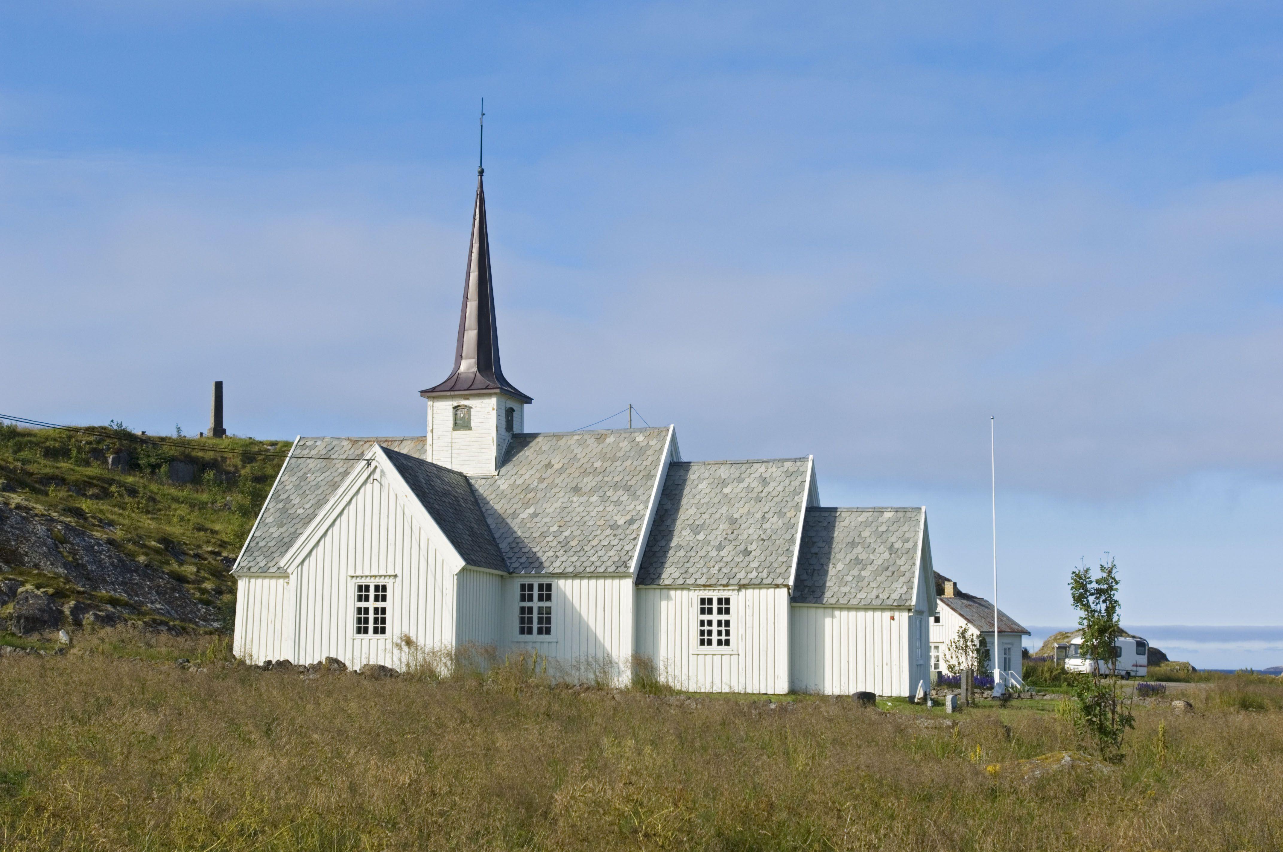 Trym Ivar Bergsmo,  © Vesterålen reiseliv, Kirker i Øksnes