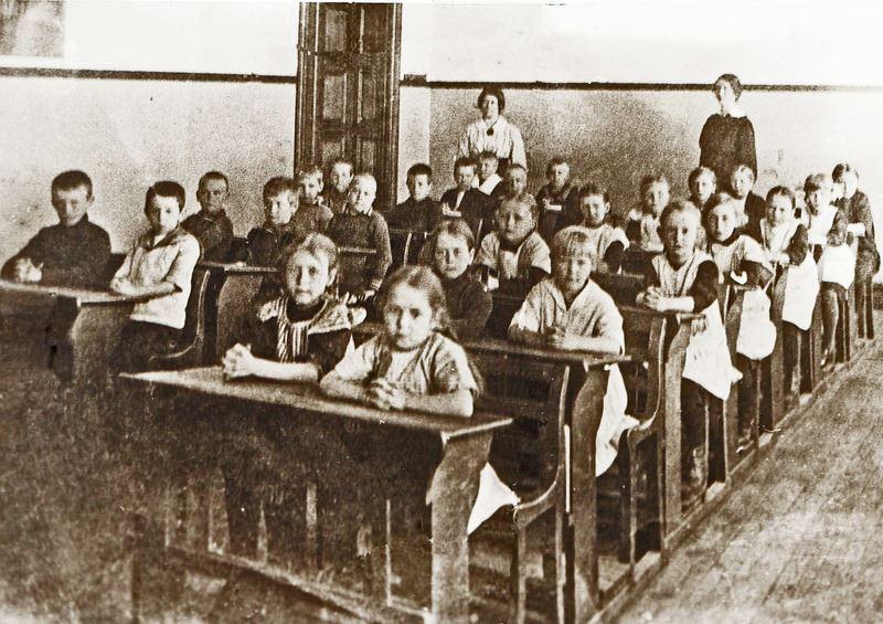 © Upphovsman: Ola Hugosson Upphovsrätt: Creative Commons, Skolklass ca 1915