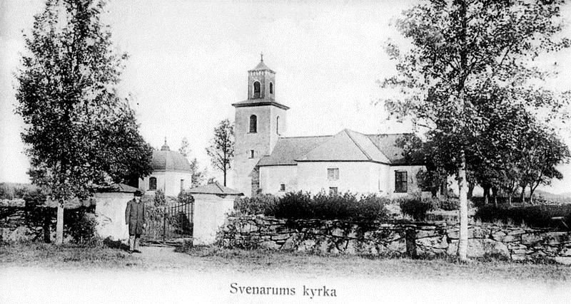 © Upphovsman: Svenarums Hembygdsförenings arkiv, Svenarums Kyrka före renoveringen 1902. På denna bild finns inte den s.k. sjävspillingstrappan t.h.om kyrkogrinden med.