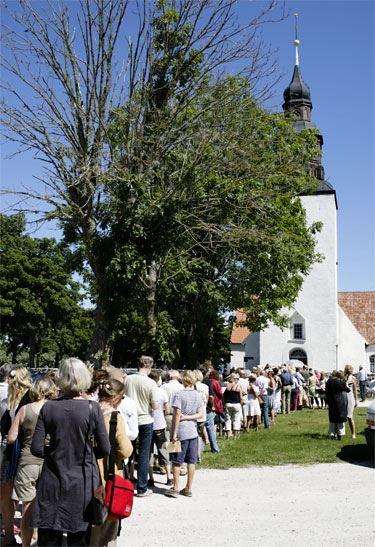 Bergmanveckans invigningsceremoni i Fårö kyrka