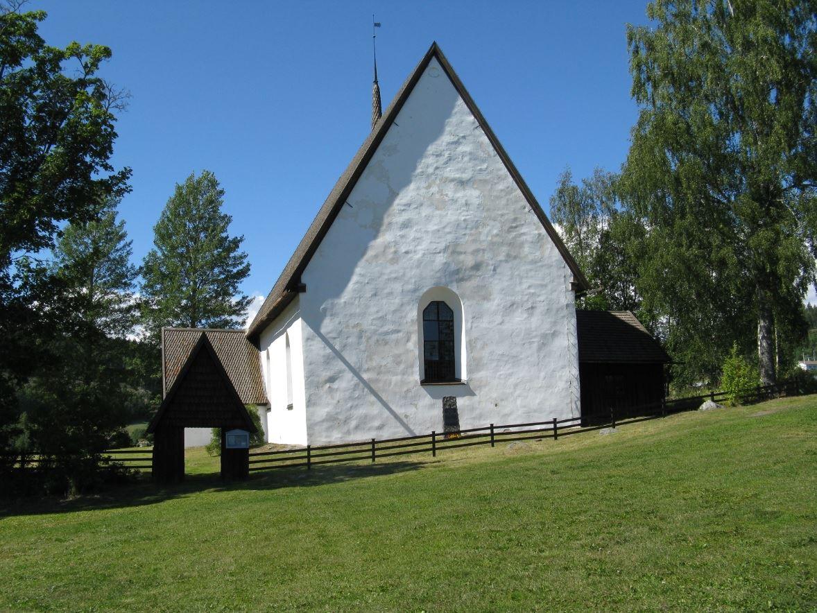 Foto Rebecka Ekwall,  © Kramfors kommun, Vibyggerå gamla kyrka som ligger bredvid hembygdsgården