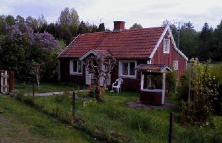 Villa i Pataholm/Patamalm Idyll med härlig trädgård,nära havet/skärgård