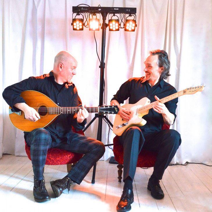 Berg & Stålspets gitarrduo i Humlebackens kulturhus