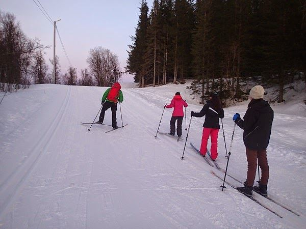 002. Guided cross country ski trip - beginner ski course - Tromsø Outdoor