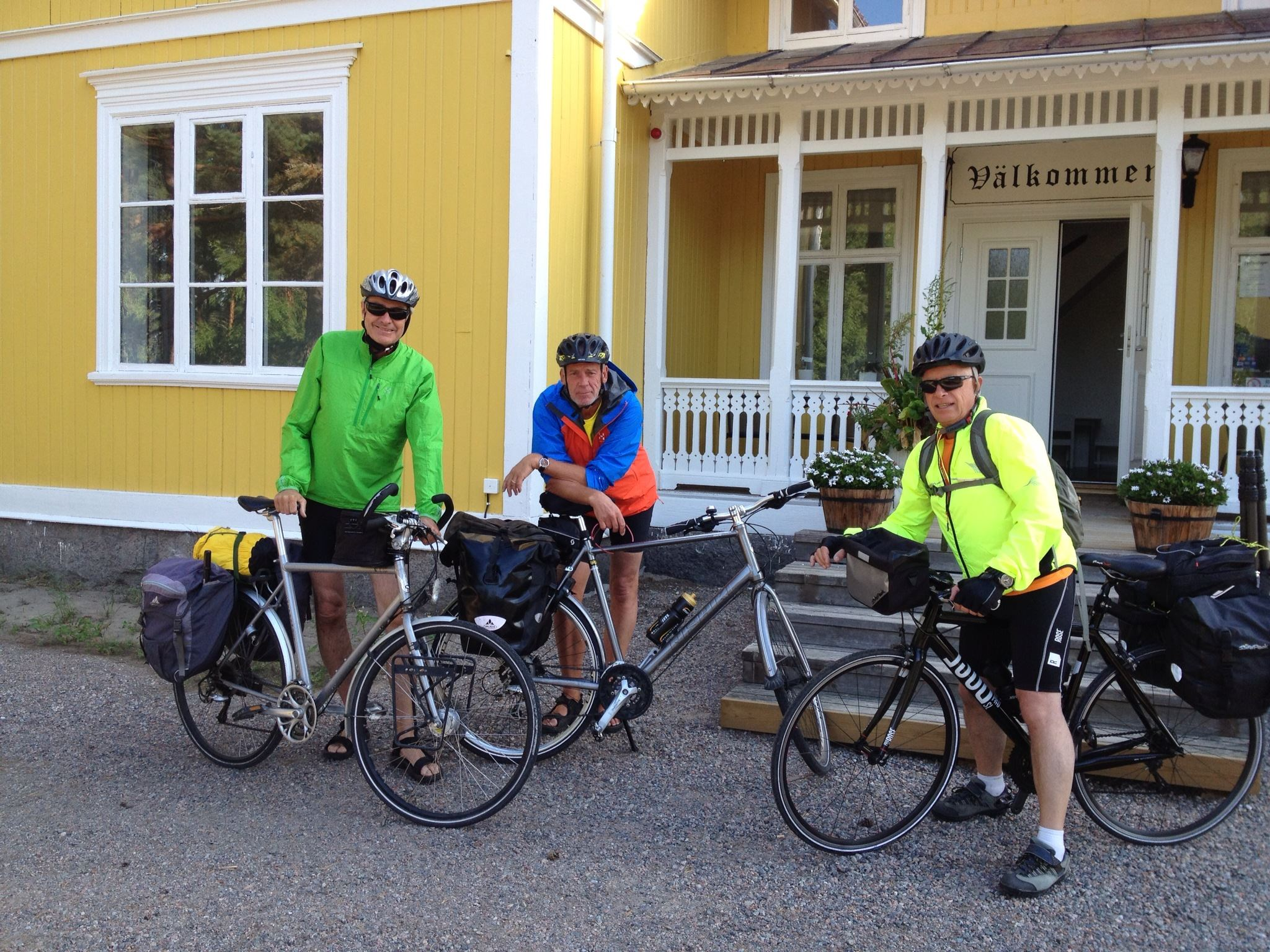Cycling from Bergby – Stay at Hedenstugan B&B Hotel