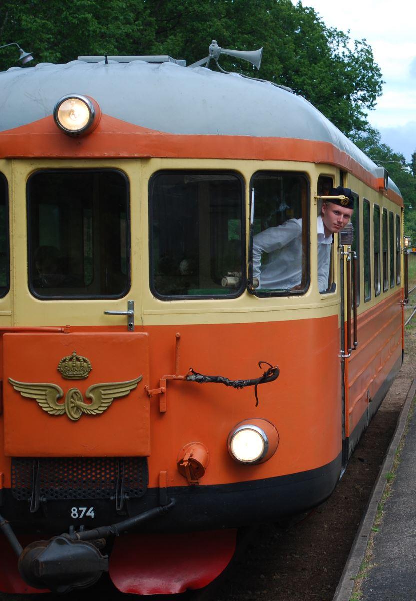 Smalspåret Hultsfred - Västervik och omvänt med rälsbuss