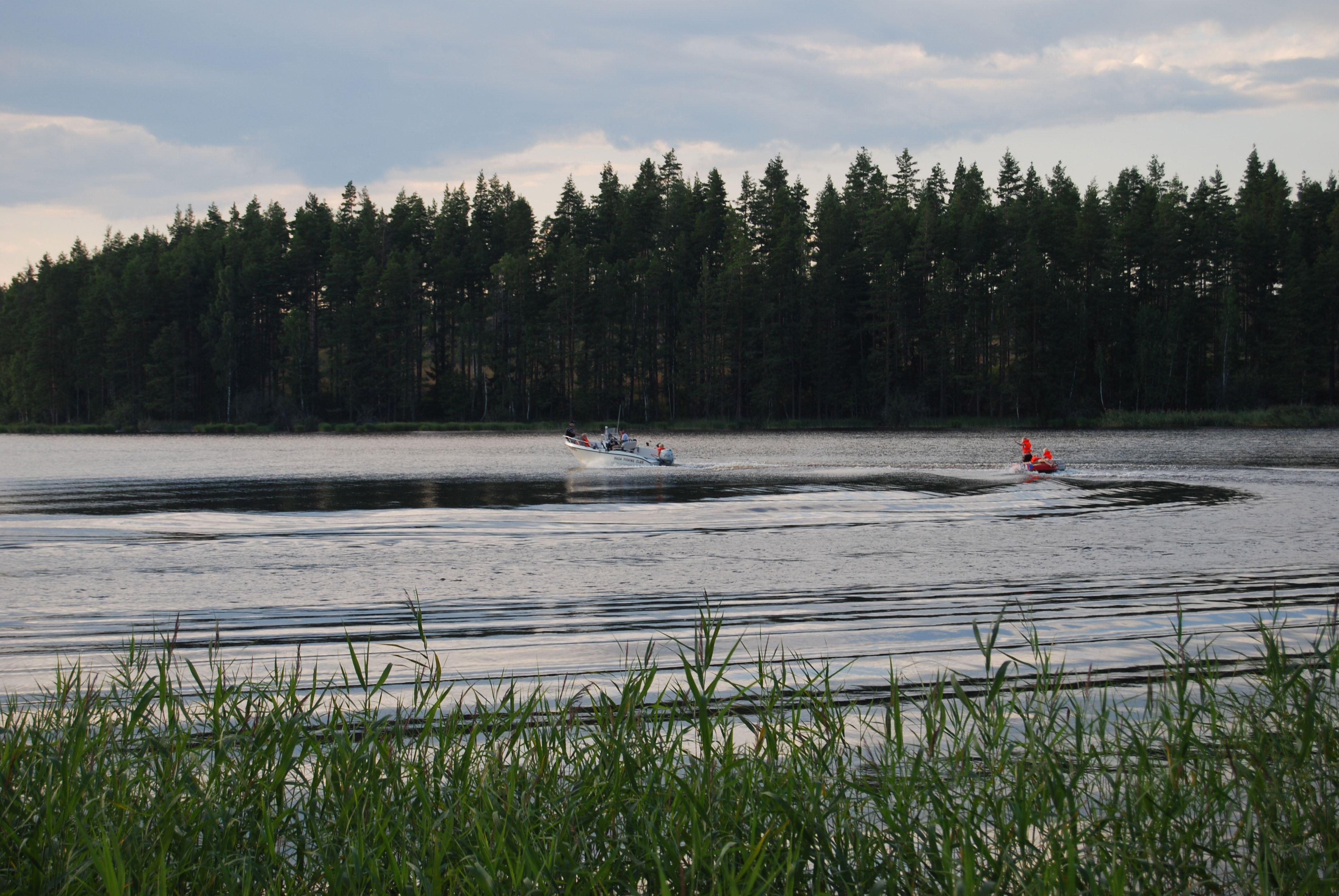 Bad, båt & grillning vid Saljen