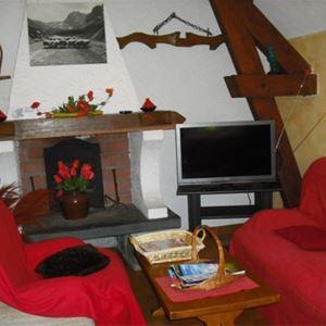 © Lassalle Christine, HPM135 - Appartement dans un village typique de montagne