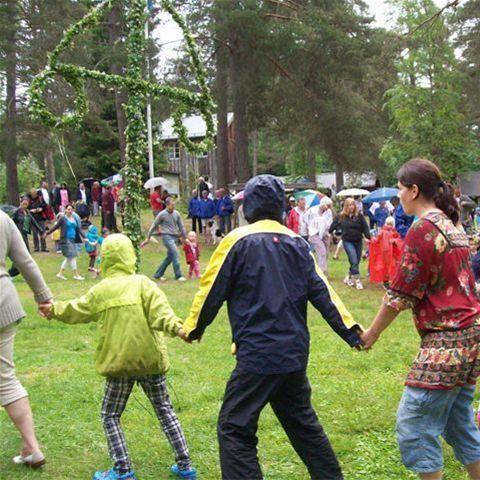 Midsommarfirande på Borgsjö hembygdsgård