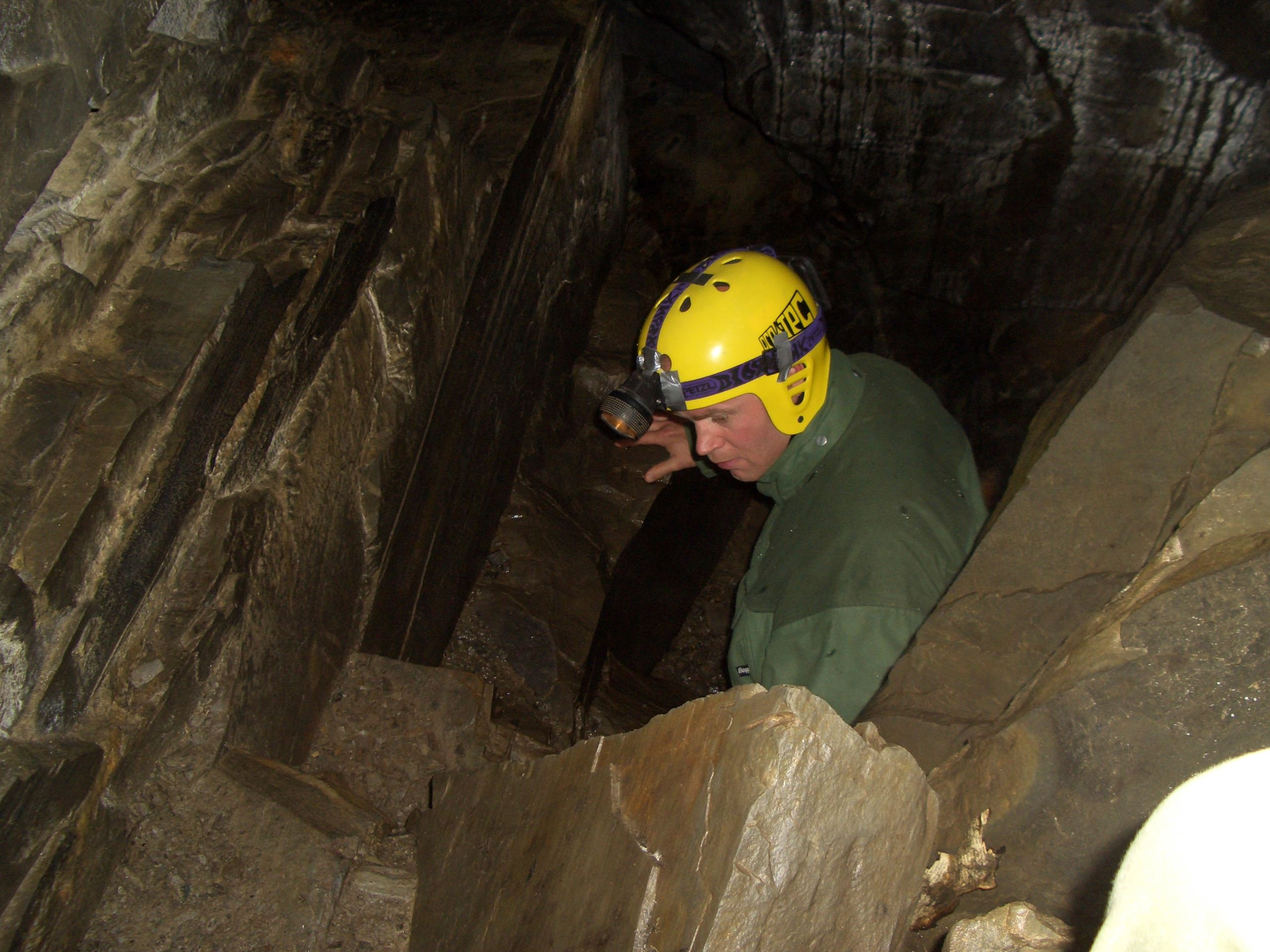i. Grottetur