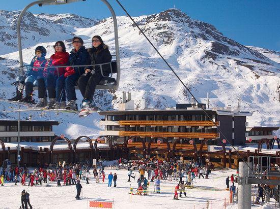 Hôtel skis aux pieds / HOTEL LE SKILT