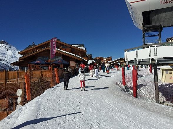 2 Pièces 5 Pers skis aux pieds / VALMONT 910