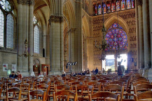 Let us tell you about the Cathedral - bilingual Tour French and English