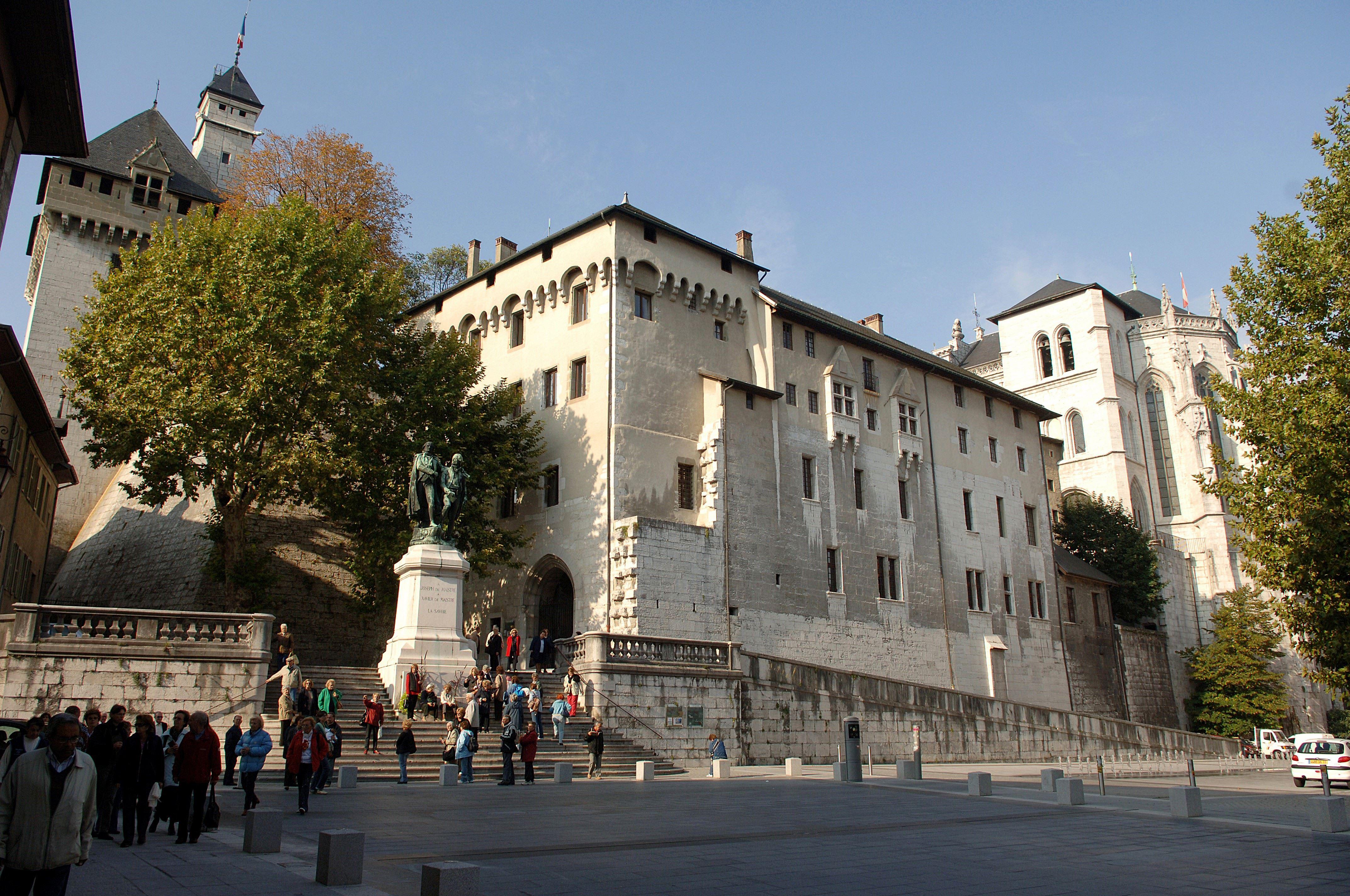 Un château, une ville, des histoires - Visite guidée