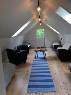 Stay on a Farm– rent our cosy timber cottage.