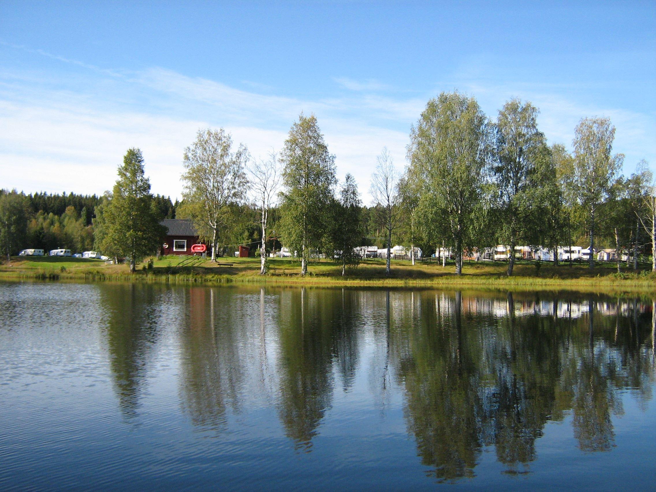 Annika Jonsson, Vy över Lindesnäs camping och sjön Äskan