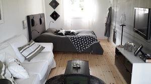 Rum, 2 bäddar och soffa