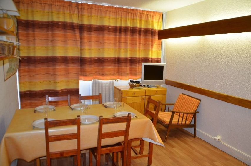 2 Rooms 6 Pers ski-in ski-out / BELLEDONNE 11