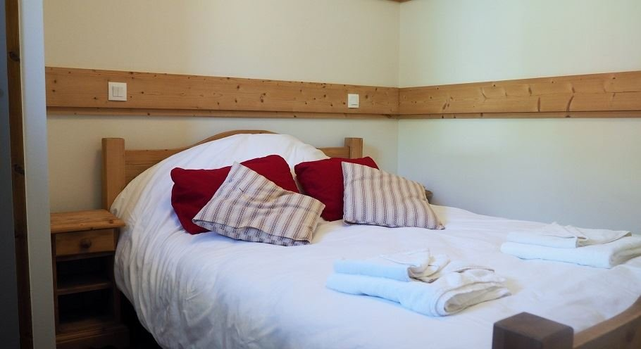 3 Rooms 6 Pers ski-in ski-out / LES CRISTAUX 1