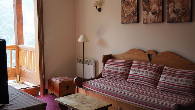 3 Rooms 6 Pers ski-in ski-out / LES CRISTAUX 6