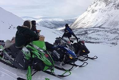 Mountain Reindeer Snowmobile Safari – Tromsø Arctic Reindeer