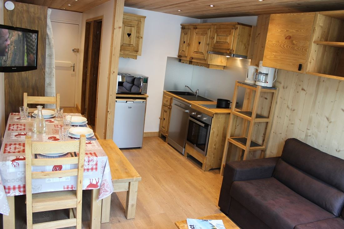TROIS VALLEES 520 / 2 ROOMS 4 PEOPLE TYPE A COMFORT