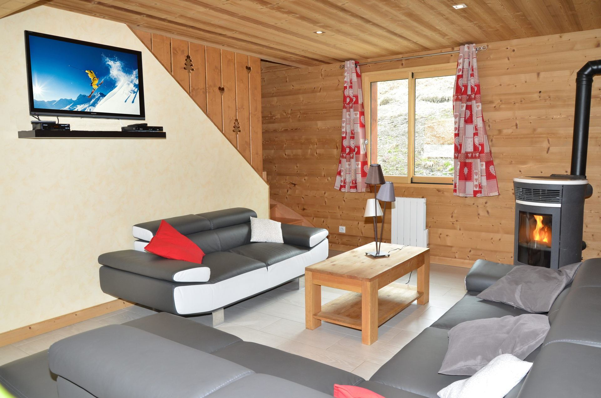 7 Rooms chalet 14 Pers 100 m from the slopes/ CHALET SNOWDREAM