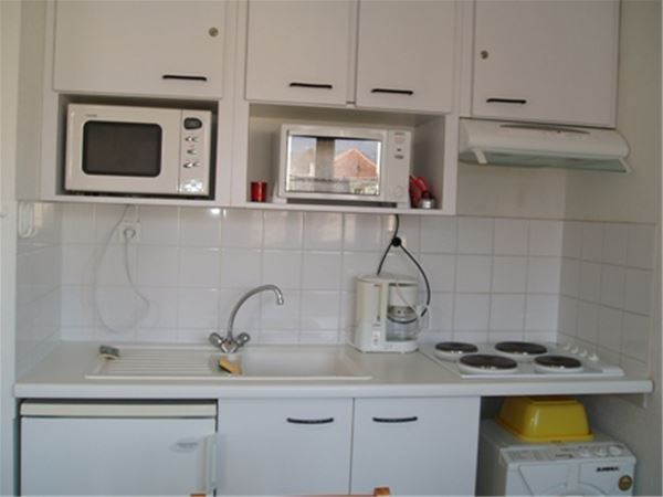 © © BATY, AGM146-APPARTEMENT DANS RESIDENCE