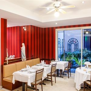 © Hotels vinuales , HPH109 - Hôtel contemporain à Lourdes