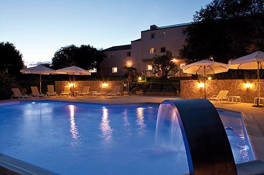 Kyriad Les Champs d'Avaux hotel