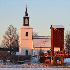 Svarte Sören, Floda kyrka