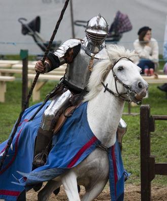 Tornerspel med Lord Severin Unicorn och hans riddare