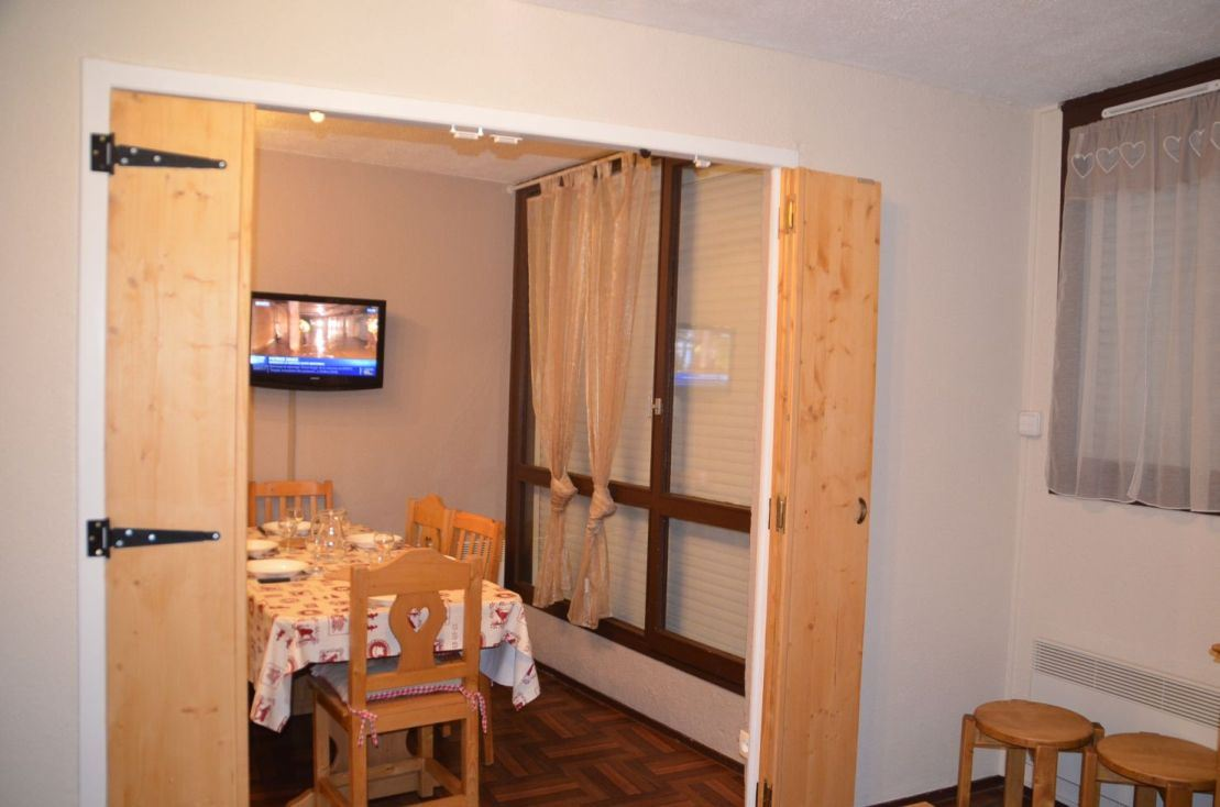 2 Rooms 5 Pers ski-in ski-out / MELEZES 64